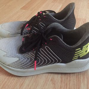 New Balance Tennis Shoes ,Size 7 ,Multicolored for Sale in Independence, KS