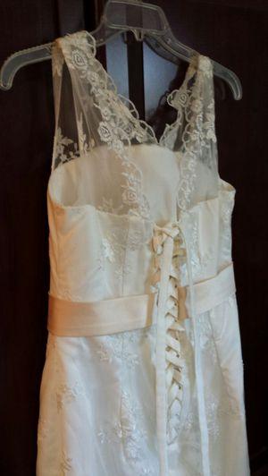 WEDDING dress sz 7-8 flowing longer in back for Sale in Fairfax, VA