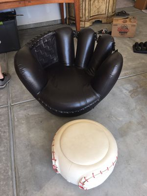 Baseball glove chair with ball storage for Sale in Madera, CA