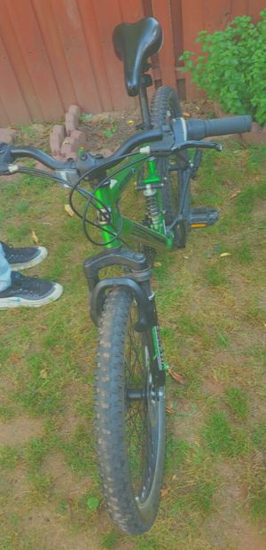 Genesis Men Bike! Mountain and Trails Bike! Off-road and for Road for Sale in Sully Station, VA