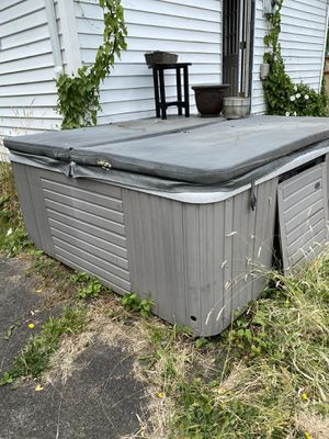 Free Hot Tub! for Sale in Tacoma, WA