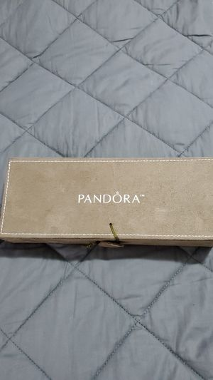 Pandora Limited Edition Taupe Suede Cream Charm Jewelry Box. for Sale in Puyallup, WA