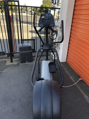 Precor 5.19 elliptical for Sale in San Leandro, CA