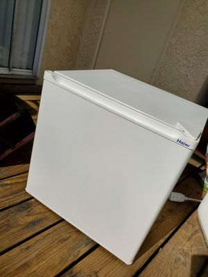 Haier HSA02WNDWW 1.7 Cu. Ft. Refrigerator, White for Sale in Fullerton, CA