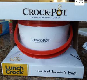 Lunch crockpot in red and white for Sale in Fremont, CA