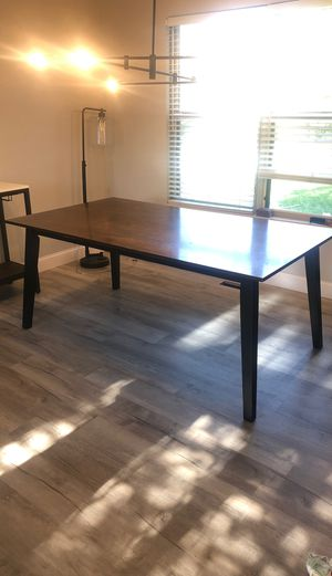 Dining room table for Sale in Dublin, OH