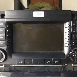 Mercedes Benz Stereo for Sale in Fresno, CA