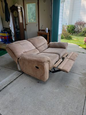 2 person reclining sofa (FREE DELIVERY) for Sale in Erie, PA
