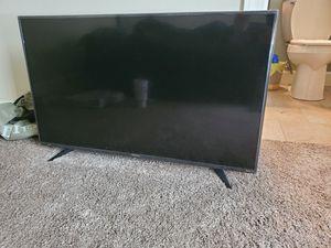 50 inch Hisense Roku TV for Sale in Lebanon, TN