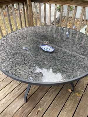 "Outdoor table 50""W x 50""D x 27.9""H for Sale in Miami, FL"