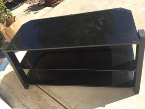 Glass top TV stand for Sale in Ramona, CA