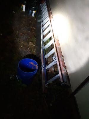 28ft fiberglass lzdder for Sale in Inverness, FL