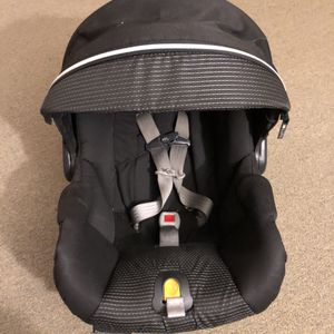 Graco infant car seat for Sale in Gaithersburg, MD