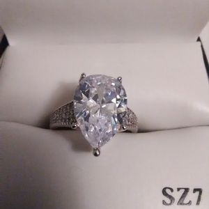 Size 7 Diamond Quality 5 Carat White Sapphire 925 Sterling Engagement Ring for Sale in Lombard, IL