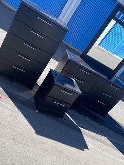Black/Marble Bedroom Set for Sale in Detroit,  MI