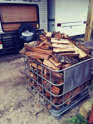 Black jack oak fire wood 60 a basket a basket equals out to half truck load for Sale in Middleburg, FL