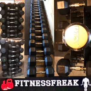 FLAWLESS GREAT QUALITY 630 LB RUBBER DUMBBELL SET with VTX RACK for Sale in El Cajon, CA