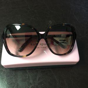 Sunglasses Kate Spade for Sale in Miami, FL