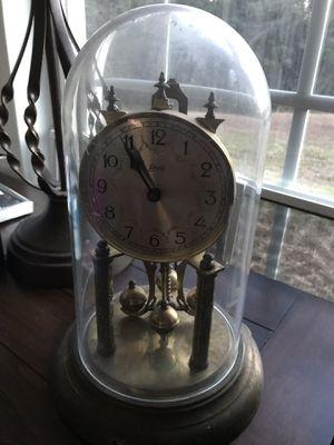 Antique Spinning Schwartz Clock for Sale in Fairburn, GA
