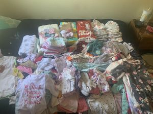 150 Diapers & 100+ Clothes Newborn / 0-3m for Sale in Highland, CA