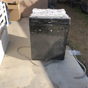 Dishwasher Free for Sale in Ceres, CA