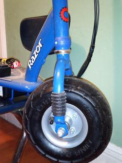 Razor E300 Blue Electrical Scooter for Sale in Brooklyn,  NY