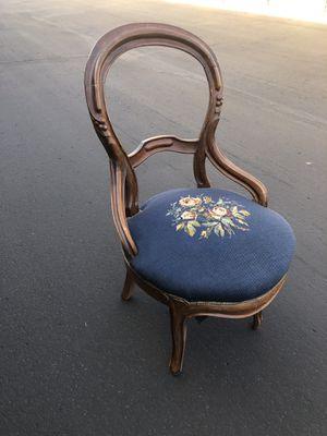 Antique chair for Sale in Phoenix, AZ