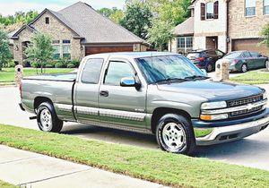 ֆ12OO 4WD CHEVY SILVERADO 4WD for Sale in Lawndale, CA