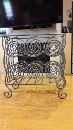 Metal Magazine Rack for Sale in Puyallup,  WA