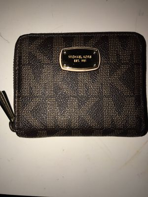 Michael Kors Small Wallet for Sale in Manteca, CA