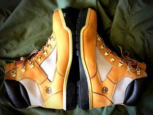 """TIMBERLAND 6"""" FIELD BOOTS - MENS SIZE 11.5 - WHAT'S YOUR BEST OFFER ? for Sale in New York, NY"""