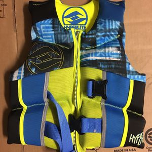 Swimming Vest. Rarely Used. — Free Kids Tennis Racket for Sale in Irvine, CA