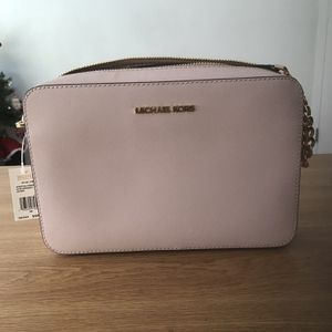 Michael Kors Purse Carry On (Light) for Sale in Victorville, CA