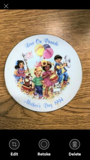 Vintage 1994 Avon Mothers Day Plate Love on Parade for Sale in Lynchburg, VA