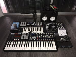 Music Studio - Equipment - Midi - Akai - Yamaha for Sale in Hialeah, FL