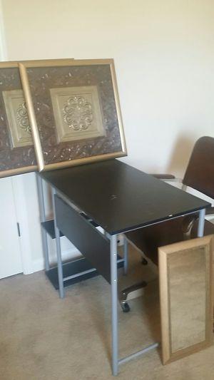 (Combo) Desk/Chair for Sale in Fayetteville, GA