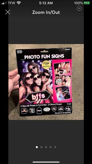 Photo booth props bundle for Sale in Hampton, VA