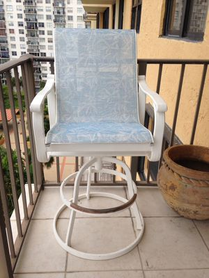 2 swivel bar stools for balcony for Sale in North Miami Beach, FL