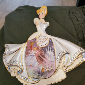 Set Of 2 Collectible Princesses for Sale in Miami, FL