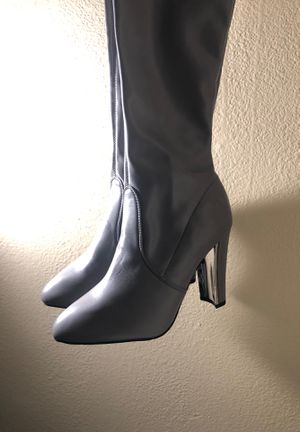 Gray high thighs boot heel for Sale in San Diego, CA