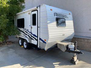 2007 Carson Rebel Camper Trailer for Sale in Menifee, CA