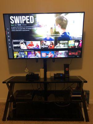 """Se vende televisor 55"""" y mesa de cristal junto o separado for Sale in Winter Haven, FL"""