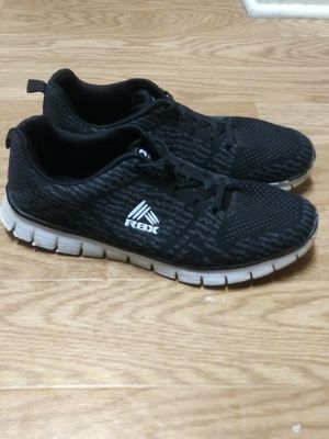 Reebok Men's size 11 shoe for Sale in Raleigh, NC