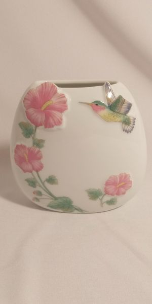 Small flower oval vase for Sale in Chino, CA