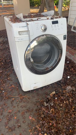 Washer ! Free! Must pick up ! for Sale in Modesto, CA