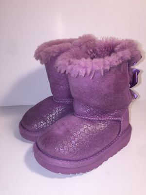 UGG toddler sz 6 girls purple boots shoes NWOT for Sale in San Antonio, TX