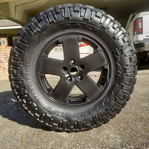 4NITTO TRAIL GRAPPLERS ON 4 BLACK JEEP WRANGLER UNLIMITED JK SAHARA RIMS for Sale in Walker, LA