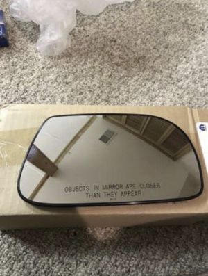 Chrysler Pacifica mirror glass replacement for Sale in Piscataway, NJ