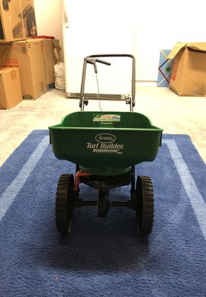 TURF BUILDER MINI!! GREAT CONDITION! Runs well! for Sale in Wesley Chapel, FL