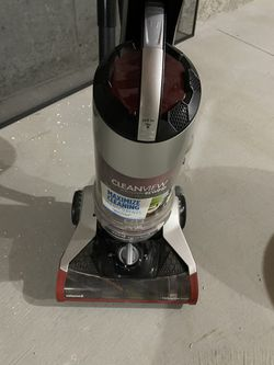 Bissell Vacuum cleaner model 1332 for Sale in Grafton,  MA